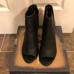Hippie Laundry! ISLA Black heeled boot! Size 11.